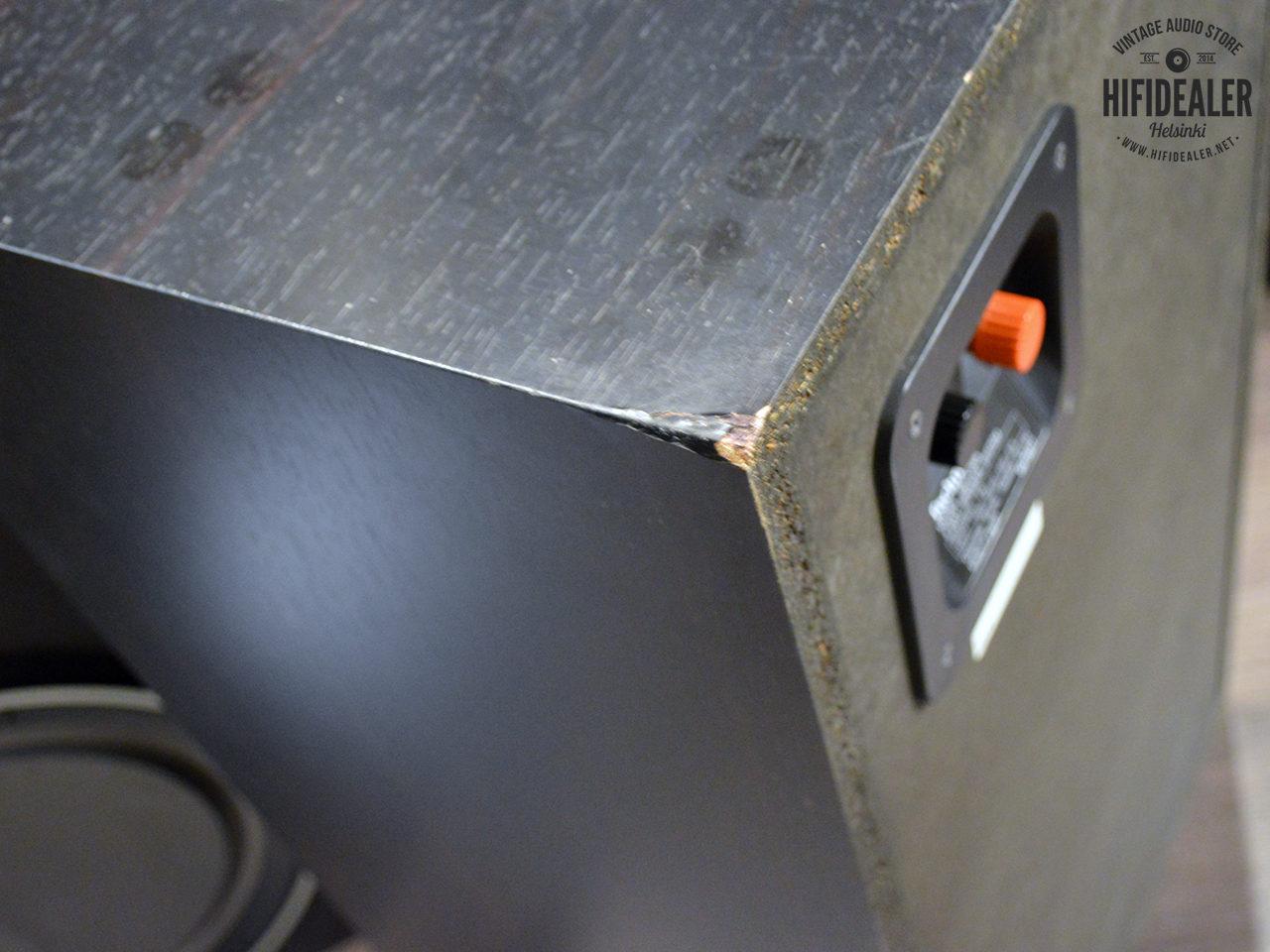 technics-sb-x700a-3