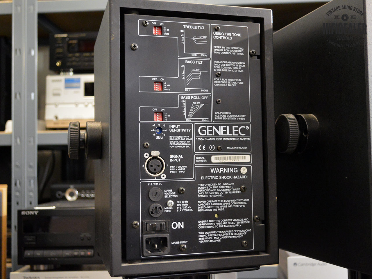 genelec-1030a-2